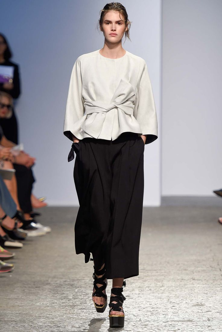 Sportmax Spring 2015 Ready-to-Wear - Collection - Gallery - Look 1 - Style.com