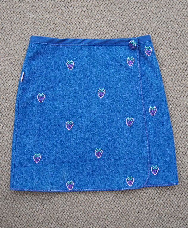 A lot of blue in this post! Today I am going to ramble on about the Wrap Skirt: Essentially, you pretend you are making a fitted panel sk...
