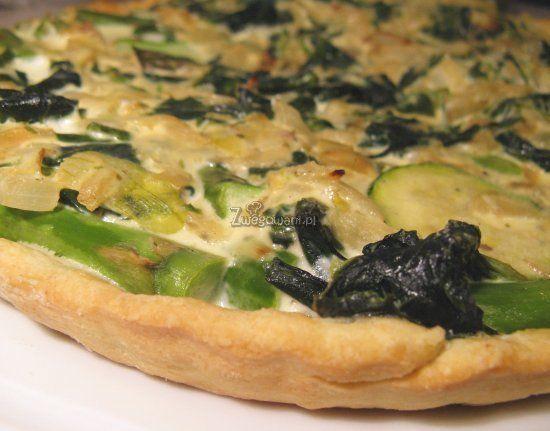 Quiche - tarta ze szpinakiem i szparagami. Smaczne i zdrowe przepisy wegetariańskie. Propagujemy wegetarianizm - przepisy kucharskie nie tylko dla wegetarian.