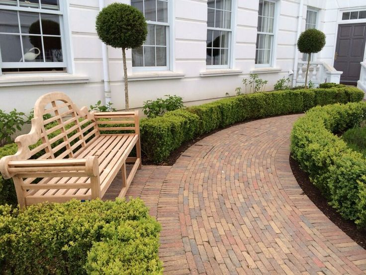 Courtyard outside London in @Tobermore retro, looking sharp via @PaulPaulbmartin