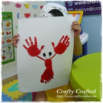 Hand and foot Print Lobster art.. I think I just found something for mom to do with her kindergarten students! :)
