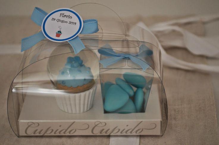 Cupcake snow globe