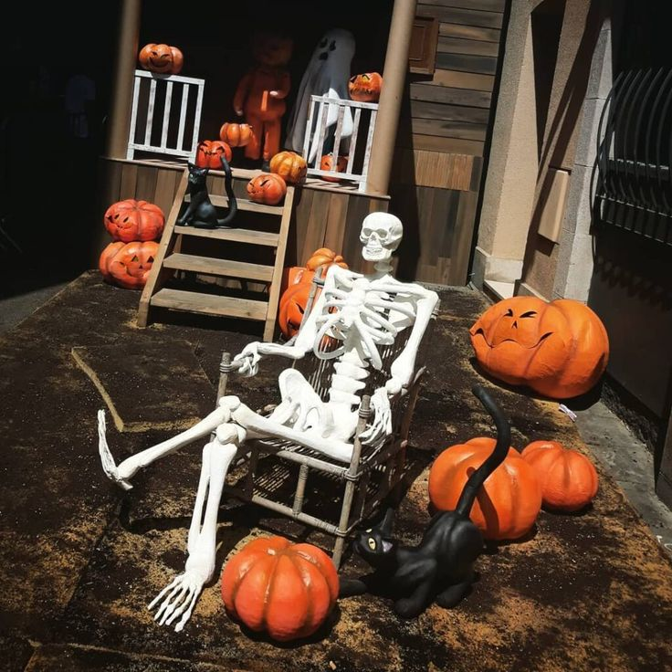 Scary Indoor And Outdoor Halloween Decorations You Can