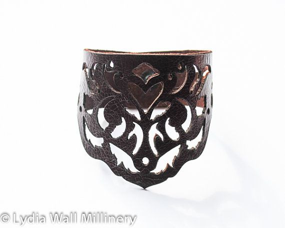 """Laser Cut Leather Cuff - """"Dancing leaves"""" in Brown"""