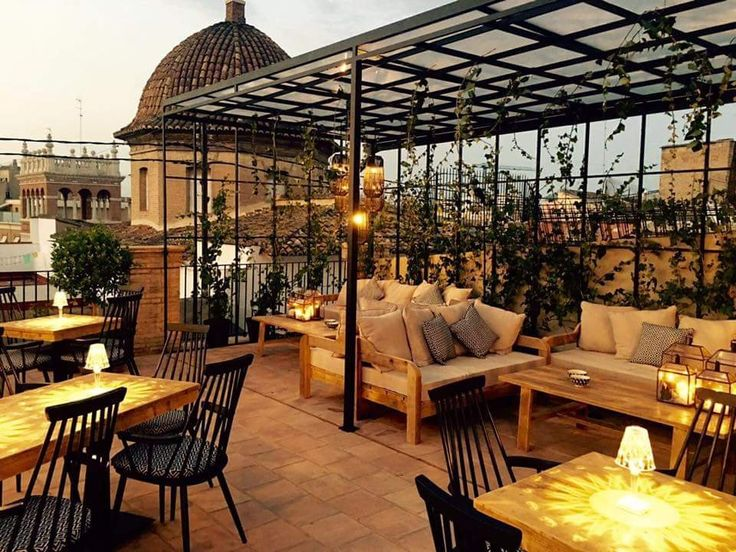 Find the best spot to enjoy the view with a drink in hand on your trip to Valencia, Spain
