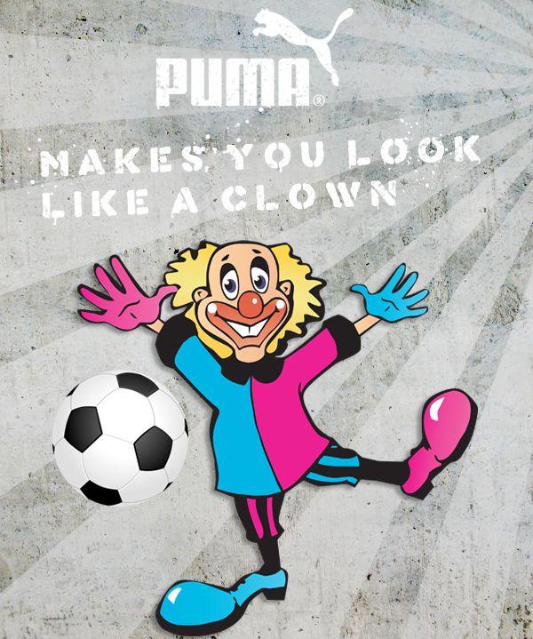 De belachelijke schoenen en handschoenen van Puma in twee verschillende kleuren.