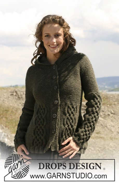 "Knitted DROPS jacket in ""Alaska"" with cables, raglan sleeves and hood. Size S - XXXL. ~ DROPS Design"
