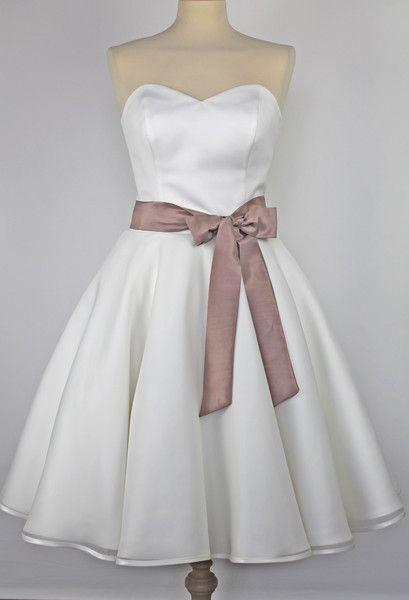 Brautgürtel - Brautgürtel - ein Designerstück von charme-accessoires bei DaWanda