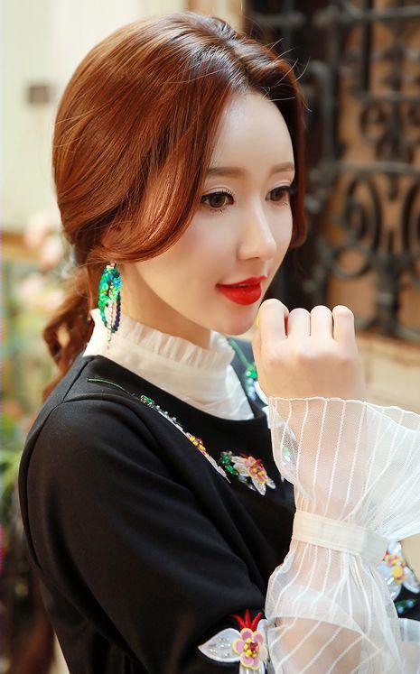 StyleOnme_Asymmetrical Sequin Drop Earrings #sequin #springtrend #koreanfashion #earrings #kstyle #kfashion