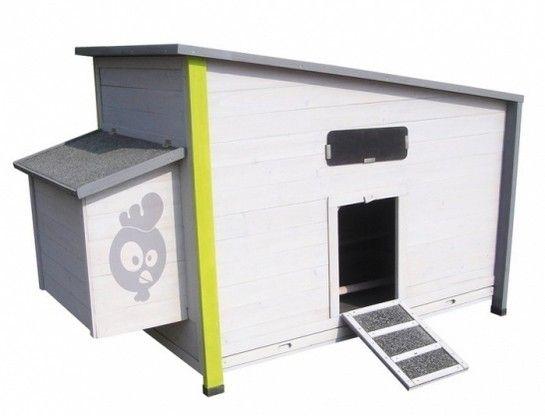 the Home pour vos poules adorées Les poules peuvent accéder au poulailler par une trappe munie d'une rampe, et disposent d'un espace nichoir.  Pour faciliter le nettoyage, le poulailler est muni d'un plateau tiroir. Le toit du nichoir s'ouvre également pour en permettre le contrôle. Le toit du poulailler s'ouvre sur un compartiment de stockage, idéal pour ranger l'alimentation ! http://www.colonyandco.fr/poules/poulaillers/poulailler-hen-house-small.html