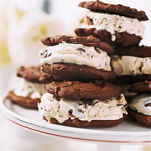 Mom & Me Baking: Candy Bar Ice Cream Sandwiches (via Parents.com)