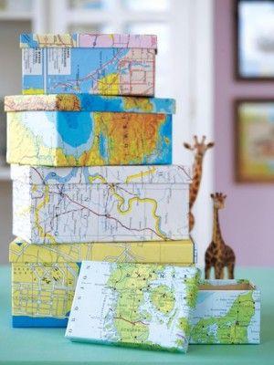 leuk idee om al die oude kaarten her te gebruiken en dozen mee te beplakken, waar je alles van je vakantie / reizen in bewaart.