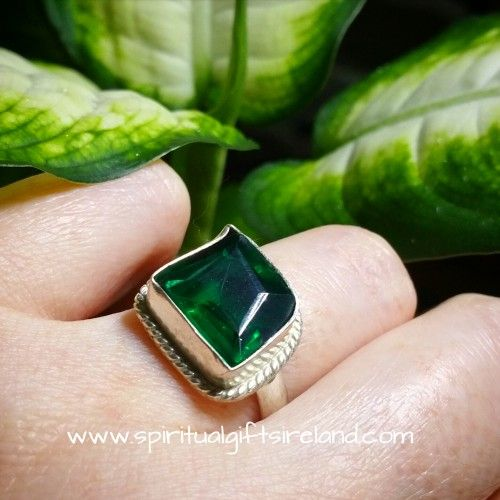 Chrome Diopside Gaia Ring