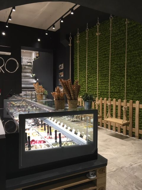 #WeLovePuro is an #icecream #parlour franchising born in 2014 near Salerno. Within two years, stores have become five, this is Welovepuro at Aix en Provence. A distinctive feature of Puro #style is the #furniture. Entirely made from pallets and other reclaimed materials. For this place, Orion provided #technology and #performance of its #KT24 #display #cabinet. #showcase #arredamento #vetrina #vetrine #banco #refrigerato #gelateria #gelato #interiordesign #madeinitaly #design