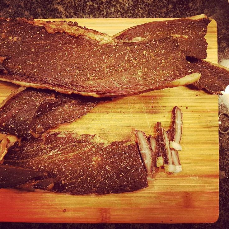 Day 4 and the homemade biltong is complete. Honestly ridiculously easy to make. Try it!