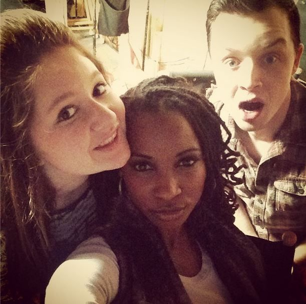 """ Love my cast! Last day on stage for Season 5!@emmarosekenney @noel_fisher Great Season! #Season5 #Shameless #Jan2015 """