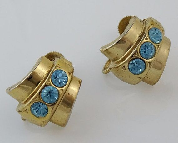 Beautiful Coro screwback earrings with light blue stones. #adoredblessings  #vintagejewelry