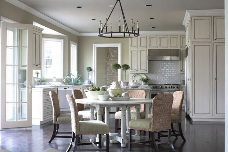 phoebe howard kitchen: Dining Rooms, Breakfast Rooms, Paintings Cabinets, Phoebe Howard, Round Tables, Open Kitchens, Eating In Kitchens, Decor Blog, White Kitchens