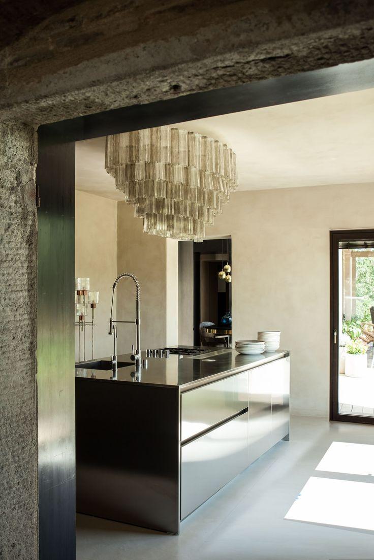 Kjøkken med lysekrone
