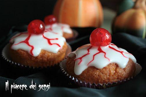 Muffins occhi insanguinati - deliziosi e spaventosi (poco) dolcetti per la festa di Halloween! ^_^ per la ricetta clicca qui--> http://ilnuovopiaceredeisensi.altervista.org/muffins-occhi-insanguinati/ #lurpakita #halloween   #halloween2016  #homemade #glassa #limone  #dessert #buongiorno #recipes #recipeoftheday #recipeideas #ilpiaceredeisensi #italy #italia