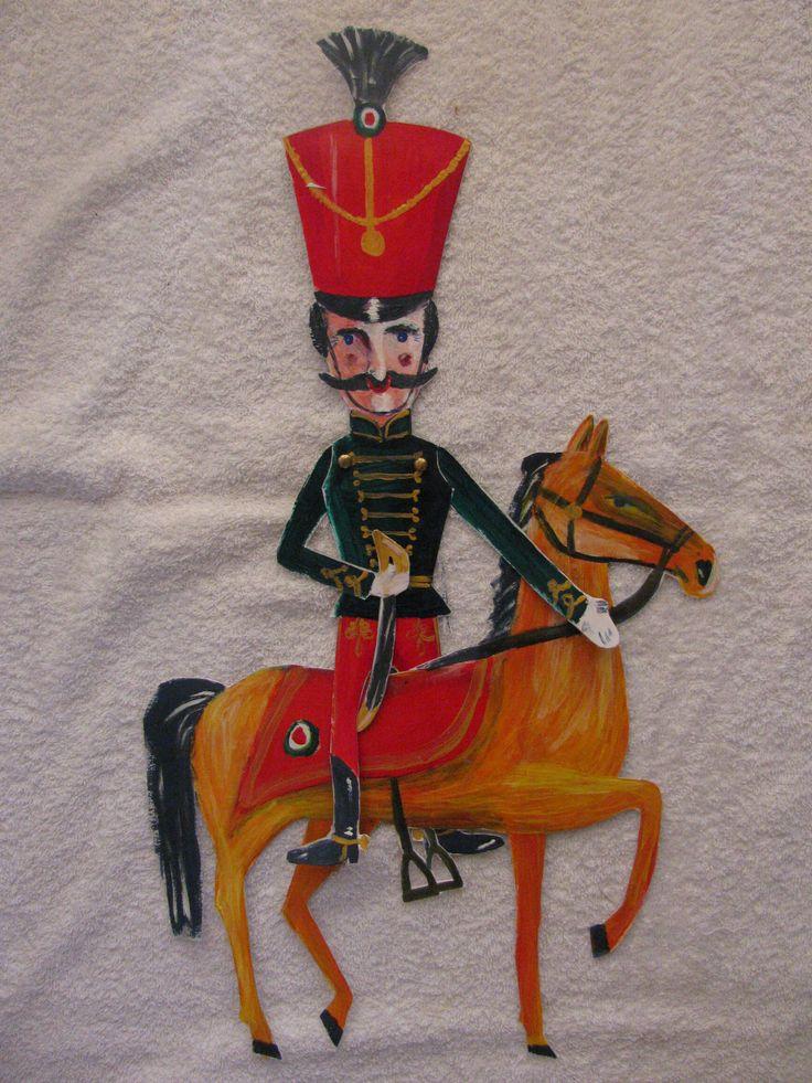 Huszár-marionett lóval kartondobozból/Cavalryman marionett and his horse made of cardboard box