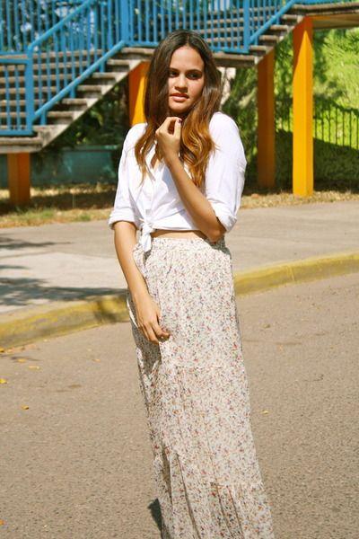Brown-maxi-sfera-necklace-white-white-aeropostale-blouse_400