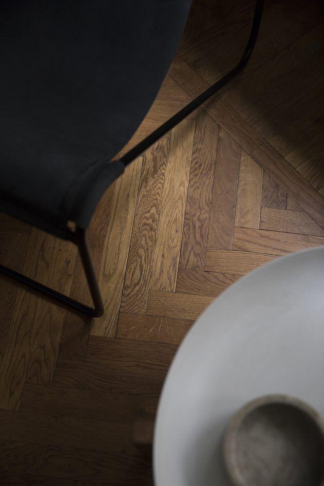 Post: Pequeño piso con gran cocina --> estilo escandinavo, lámpara de techo DIY, lámpara Molecular, piso pequeño, cocina nórdica, cocinas blancas, decoración de interiores, estilo nórdico, decoración interiores, hygge, ant chair, chair 7, fritzhansen, blanco, white kitchen, interior styling, decor inspiration, interior design, home decor, scandinavian kitchen