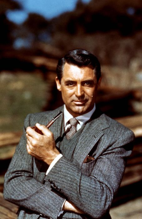 Cary Grant did what very few celebs can do today; be stylish and modern, without losing sight of the basics.