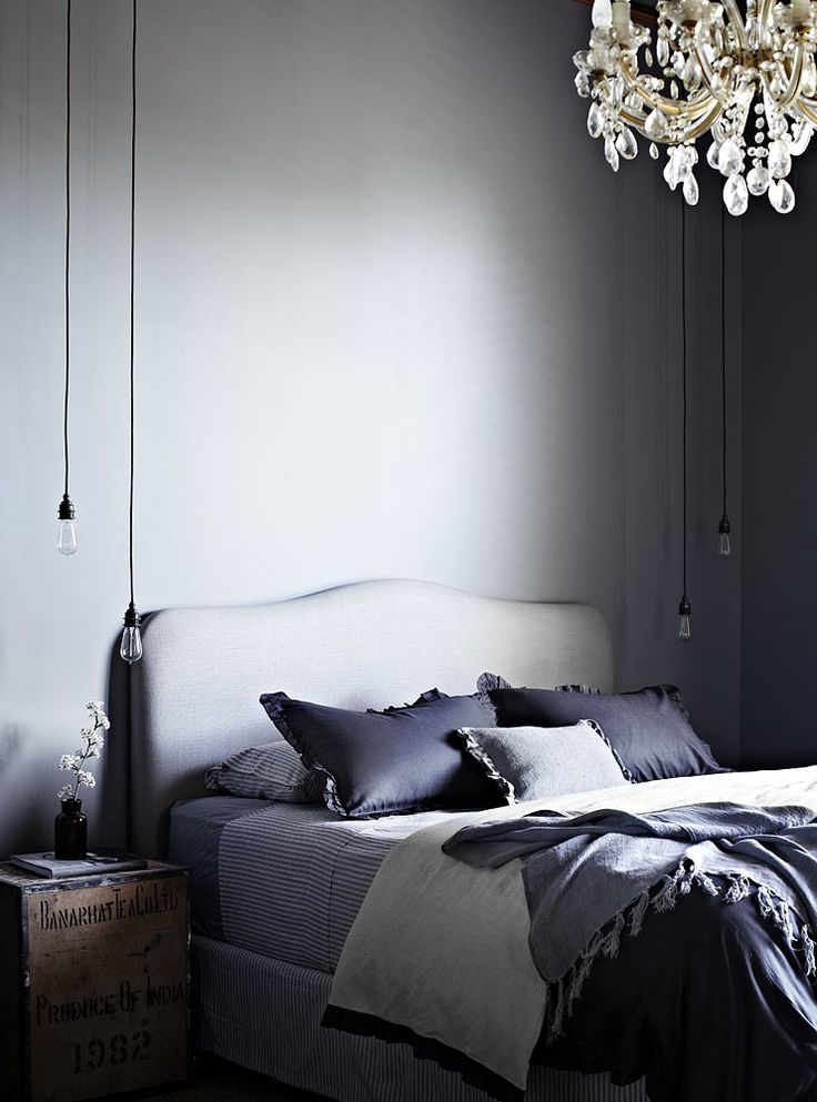 Ellis House in Kyneton, Australia, is owned by Tracie Ellis, who runs bed linen label Aura Home. Looks like the perfect abode for winding down at the weekend...
