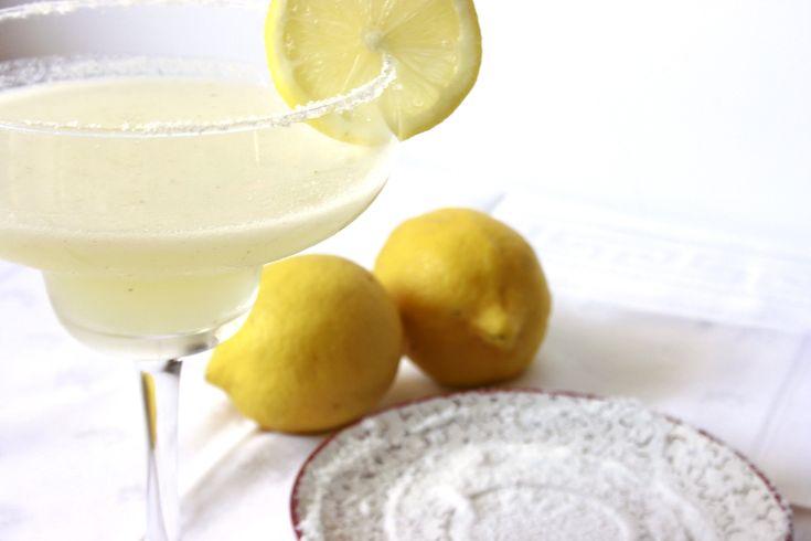 Cerchi un cocktail classico? Ecco la ricetta margarita frozen Bimby un drink messicano a base di Tequila per un aperitivo o per agli ospiti prima della cena