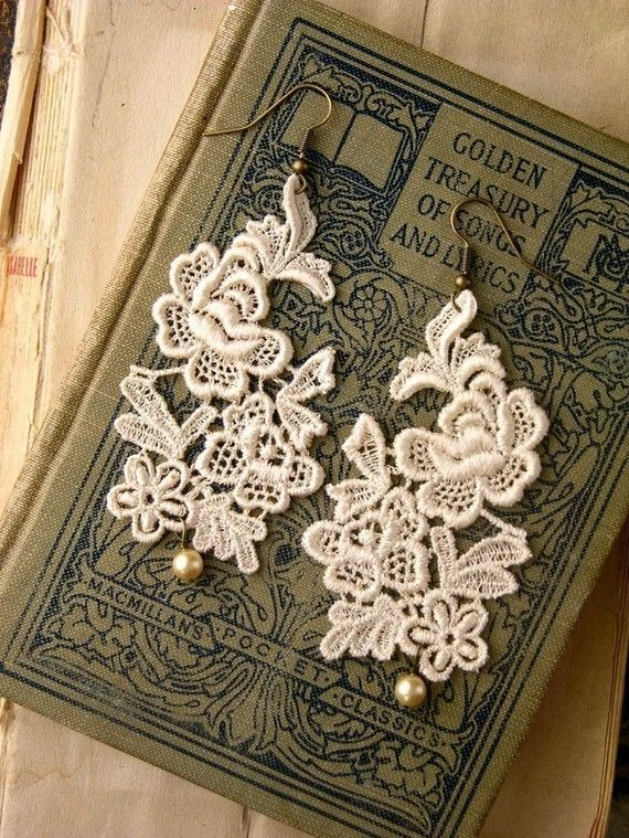 lace earrings -PETITE JARDIN- floral - bride - bridesmaid - pearl - ivory -nature - holiday - rustic wedding