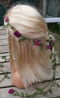 String Theory Crochet: Spring Flowers!  A free pattern for a crochet hair...
