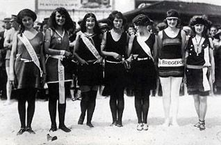 """1922 Contestants, Margaret Gorman first Miss winner of 1921 on the far right/missamerica.org/Miss America 1922, the 2nd Miss America pageant, was held at the Million Dollar Pier in Atlantic City, New Jersey on September 7, 1922.Joining the contestants during the """"bathing revue,"""" the parade of beauty pageant hopefuls, were the Mayor of Atlantic City and the entire police force, all wearing their bathing attire. Mary Katherine Campbell, competing as Miss Columbus/Ohio in the pageant, edged…"""