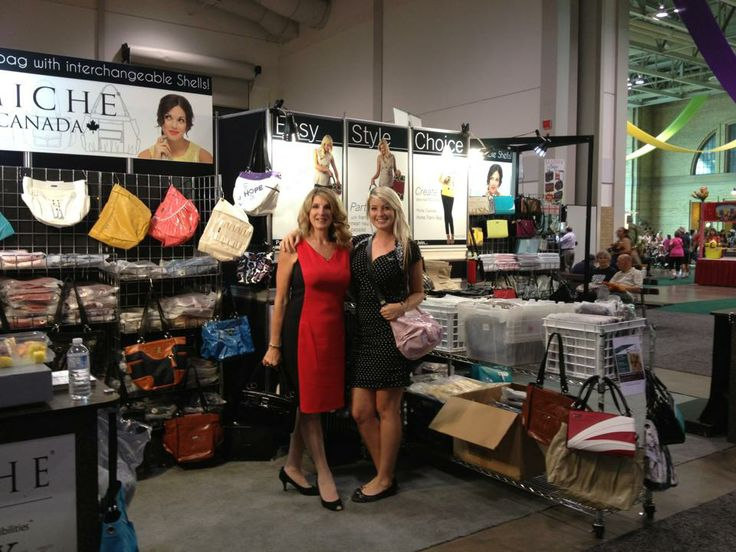 Linda Westwell (CEO of Miche Canada) with Her daughter Gina at the CNE in Toronto #miche #michefashion #fashion #style #purses #handbags #accessories