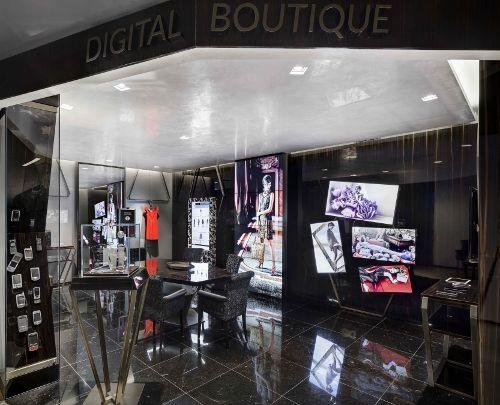Quando si parla di esperienza di acquisto digitale, a molti viene in mente l'ecommerce, oppure le possibilità offerte dai siti dei brand o da Amazon o eBay. Pochi invece si interrogano sul ruolo che potrebbero avere la tecnologia all'interno del punto vendita. O almeno, finora. Oggi è stata infatti presentata a Milano la Digital Boutique …