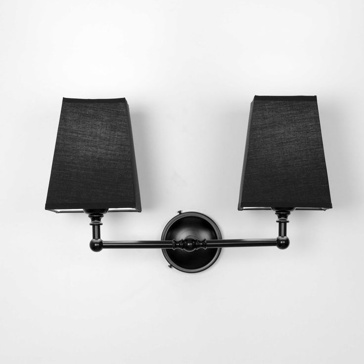 Aplique metal negro doble pantalla tela negra