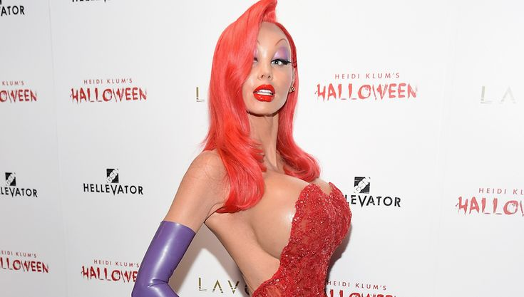 Model Heidi Klum, infamous for her outrageous Halloween costumes, did not disappoint this year, as she was completely unrecognizable as the voluptuous Jessica Rabbit, the iconic female cartoon from…