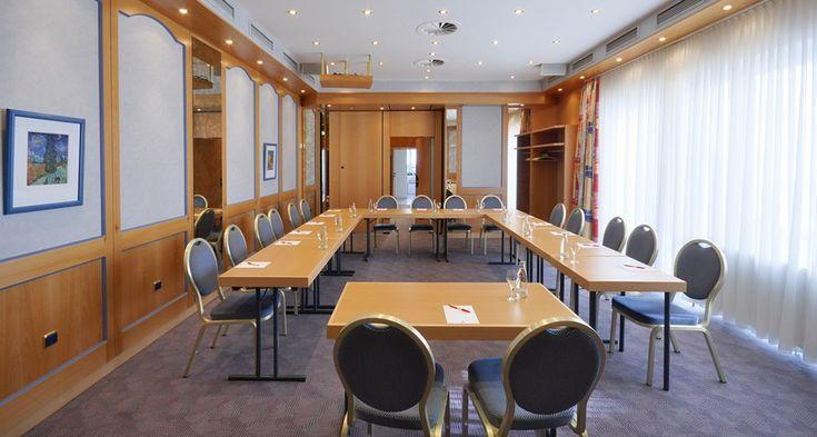 Unsere Tagungsräume bieten Platz für bis zu 50 Personen. Unser Hotel ist günstig in Köln-Ehrenfeld gelegen. www.hotel-imperial.de