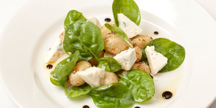 An easy recipe from Andy Waters for a new potato and baby spinach salad recipe topped with melted gorgonzola. Serve as a barbecue-friendly s...