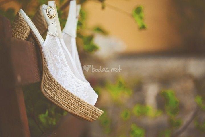 Foto de Adela Baraja - http://www.bodas.net/articulos/claves-para-comprar-los-zapatos-de-novia-por-internet--c2370
