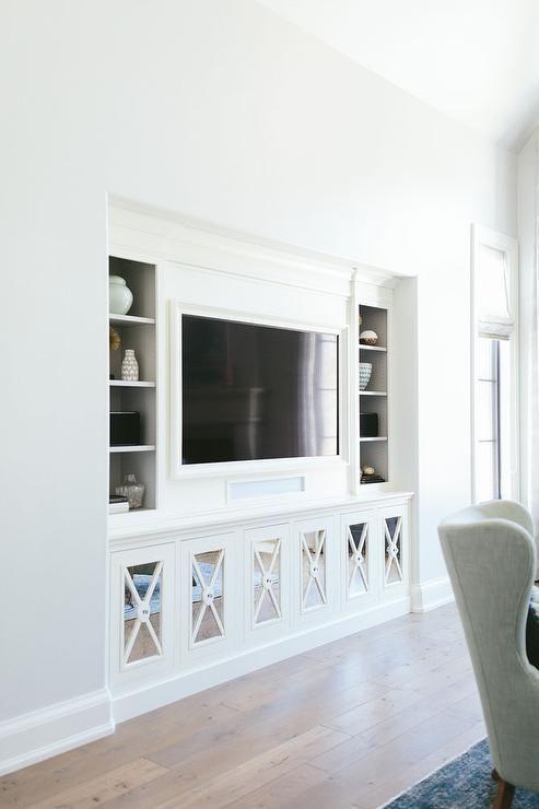 Soms is het lastig om leuke decoratie te vinden voor bij de tv. Moet je de mu...