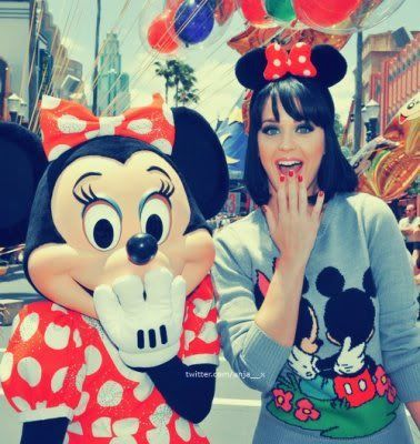 I love this look on Katy Perry her makeup looks gorgeous on her and I love her little Disney Mickey and Minnie Mouse theme.
