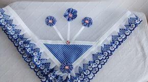 Cobre alimento: filó, tecido xadrez poliéster, decorado com fuxico e tira bordada; tamanho 60×60.  OBS: pode ser feito nas cores: vermelho, azul, rosa, alaranjado, lilás e preto