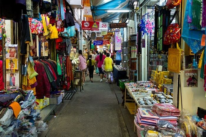 Chatuchak Market In Bangkok S Opening Hours Chatuchak Market Clothes For Sale Bangkok