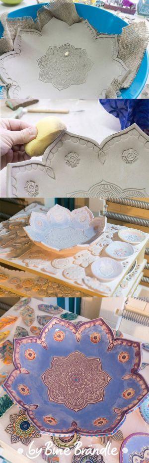 Töpfern - Wunderschöne, große Schüssel in Blütenform töpfern. Reliefs mit Hilfe von indischen Stoffdruckstempeln in den Ton prägen. von Bine Brändle