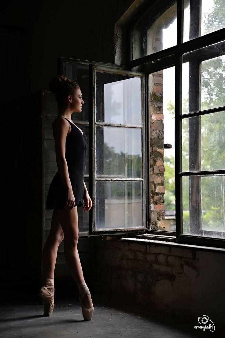 ballerina balerina project dance dancer ballet balett choreography choreographer school art studio photography photo nikon shoot model modell photoshoot window light