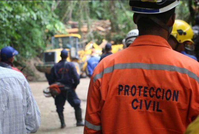 Identifican al menos 4 cadáveres tras deslave en Choroní