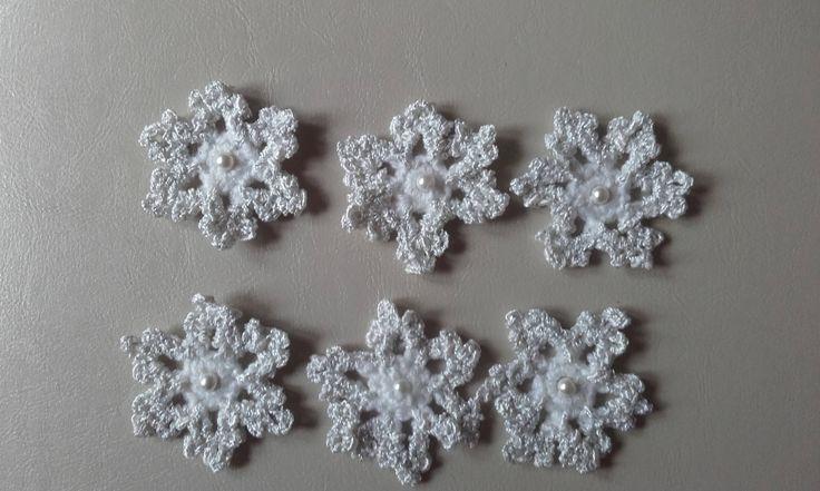 Crochet snowflake motif, snowflake motif, set of 6 motifs, sewing supplies, snowflake  applique , ready to ship by crochetfifi on Etsy