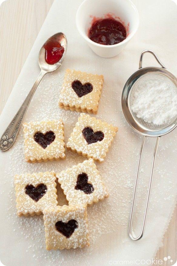 baking linzer cookies