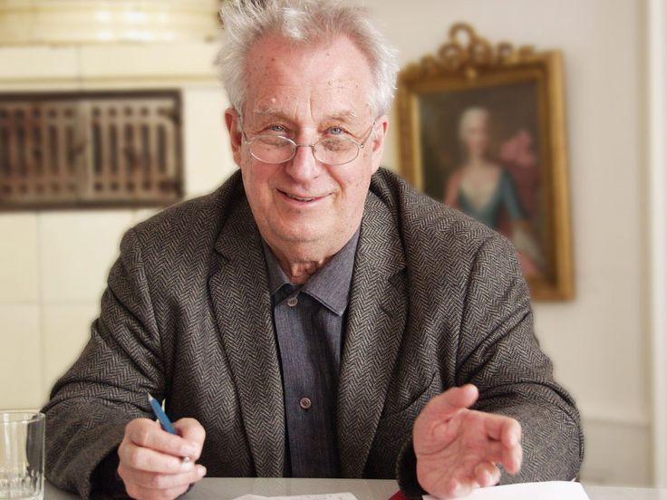 Dem Avantgarde-Komponisten Dieter Schnebel sind mehrere Konzertabende gewidmet.